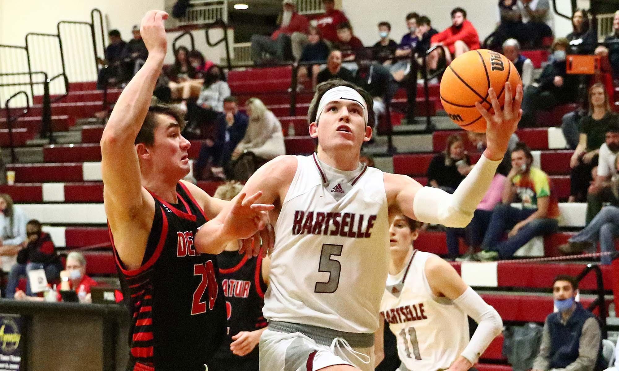 Hartselle races past Decatur 70-49 in area tournament