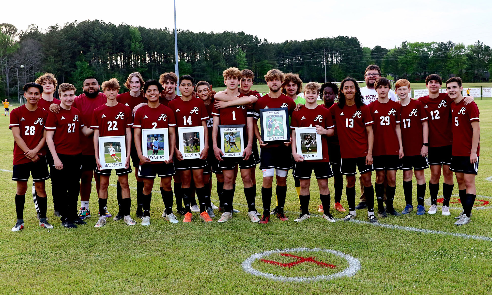 Hartselle boys soccer wins 6A Area 14 and advances to state playoffs.