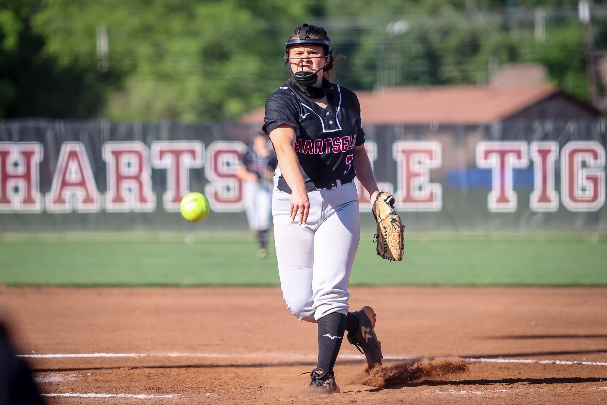 Smith's 15 strikeouts leads Lady Tigers to first round win