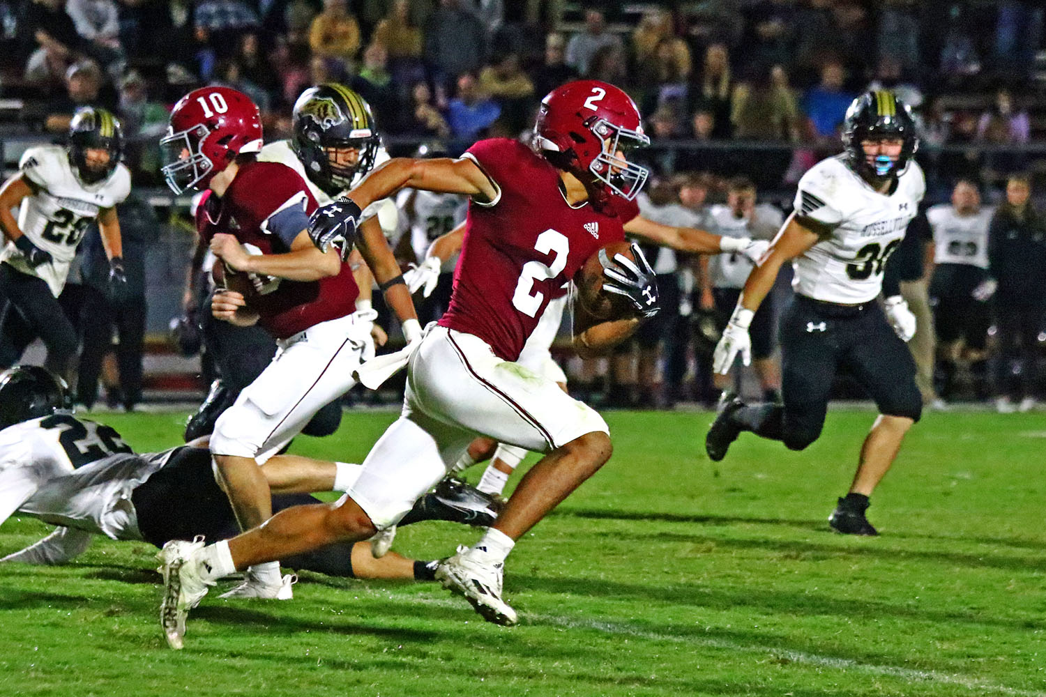Hartselle uses third-quarter outburst to defeat Russellville 58-21